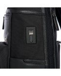 """Small leather messenger with pocket for tablet, Piquadro """"Vibe"""" - Black"""