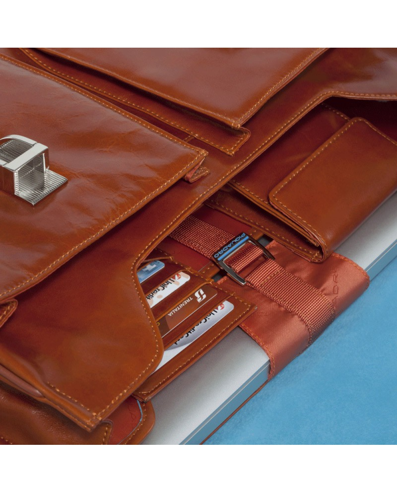 """Mobile phone case made of leather, Piquadro """"Vibe"""""""